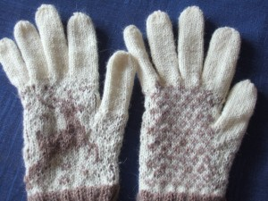 the difficult DROPS reindeer gloves, gauge was pretty troublesome with these